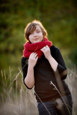 Foto Mädchen mit rotem Schal