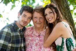 Familienfoto Oma und Ihre Enkel, Generationen