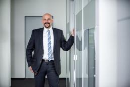 Foto Mann im Büro