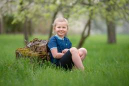 Foto Kinderfoto Mädchen auf Wiese