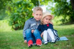 Foto Geschwister im Kindergarten