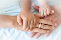 Foto Hände mama, Papa, Kind und Baby, Familie