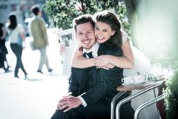 Foto Brautpaar im Café in Karlsruhe Durlach