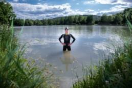 Leistungschwimmer Erik Edelmann bei Freiwassertraining im Seewaldsee Vaihingen - Fotoprojekt Nur-so-halb von Stefanie Morlok Fotografin